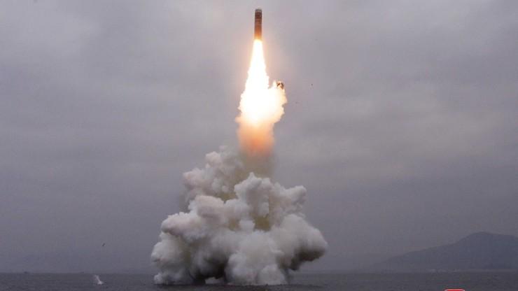 Korea Płn. przeprowadziła udany test nowego typu rakiety. Została wystrzelona z łodzi podwodnej