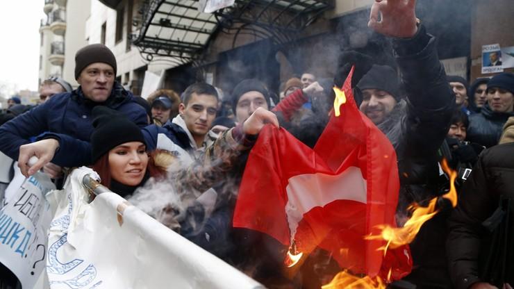 Turecka ambasada w Moskwie obrzucona kamieniami
