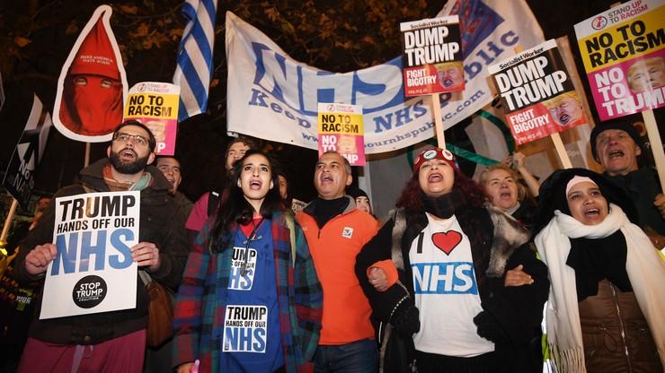 Przyjęcie dla przywódców NATO. Demonstracje przed Pałacem Buckingham
