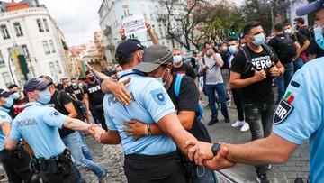 Policjanci próbowali wedrzeć się do parlamentu. Chcieli podwyżek