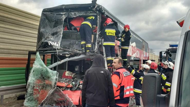 Wypadek autokaru na autostradzie A2