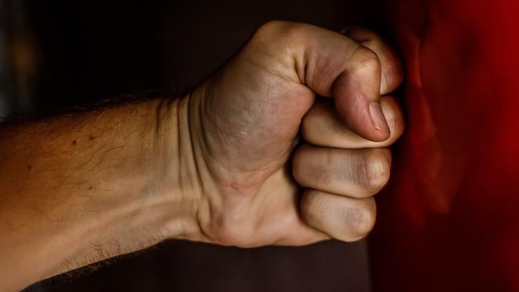 11-latek uratował matkę maltretowaną przez konkubenta. Zadzwonił pod 112