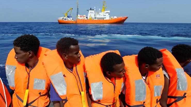"""Pięć państw przyjmie uchodźców z okrętu """"Aquarius"""""""