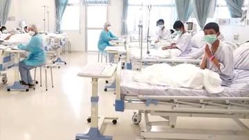 Chłopcy uwolnieni z jaskini w Tajlandii wyjdą ze szpitala w czwartek