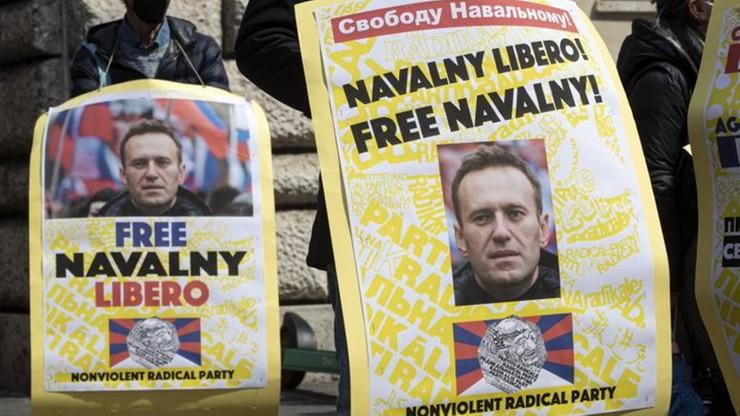 """Aleksiej Nawalny przerwał głodówkę. """"Nie zawiodę was"""""""
