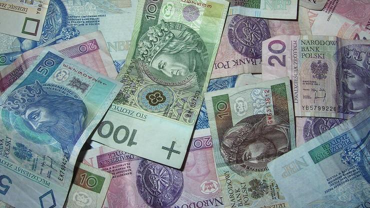 Rencistka pożyczyła 2 tys. zł, miała oddać dziesięć razy więcej