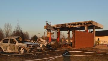 Krajobraz grozy ze spalonej stacji benzynowej [ZDJĘCIA]