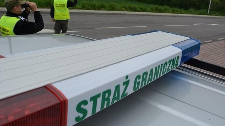 Śląsk: ponad 30 imigrantów znalezionych w ciężarówce. Wśród nich kobiety i dzieci