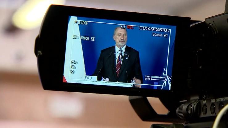Odwołani ministrowie trafili do komisji. Macierewicz - obrony, Waszczykowski - spraw zagranicznych