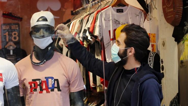 Firma ze świata mody włącza się do walki z koronawirusem. Będzie szyć maseczki ochronne
