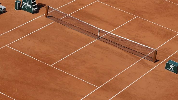 Turnieje siatkarskie na... kortach tenisowych?
