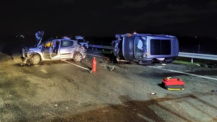 Dziki wbiegły na autostradę. W wypadku trzech aut ucierpiało pięć osób