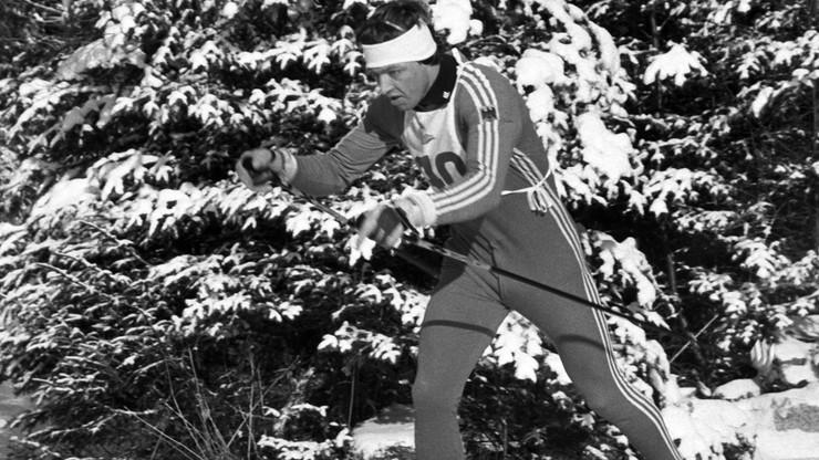 Legendarny biegacz narciarski od 55 lat prowadzi samochody ...boso