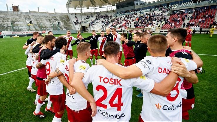 Fortuna 1 Liga: Pandemia coraz bardziej komplikuje sezon