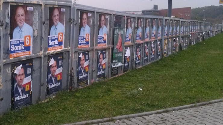 Zrywał plakaty wyborcze. Zatrzymanemu po policyjnym pościgu grozi 5 tys. zł grzywny i areszt