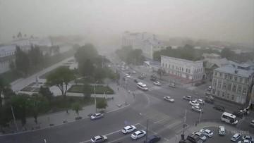 Burza piaskowa w Rosji. Chmura piasku zasłoniła słońce, spadła temperatura