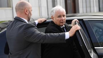 Wizyta Kaczyńskiego na Powązkach. Dworczyk: wszystko odbyło się zgodnie z prawem i procedurami
