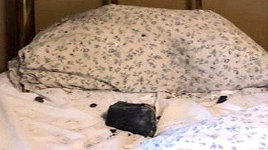 Meteoryt wpadł do łóżka w Kanadzie. Fot. Ruth Hamilton.