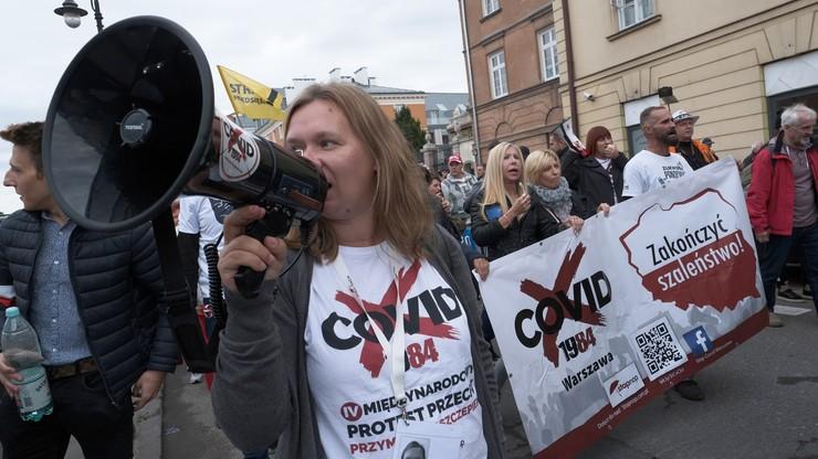 Protesty przeciwników obostrzeń. We Wrocławiu rozwiązano zgromadzenie