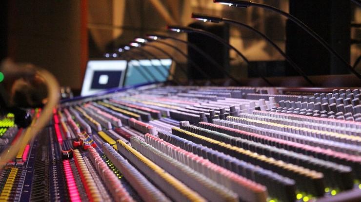 Remix i film na YouTube mogą łamać przepisy. Unijna reforma prawa autorskiego