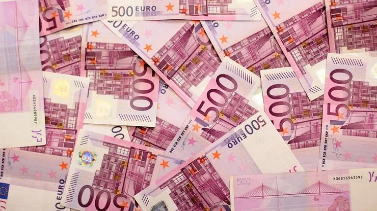 30 mln euro odprawy dla szefa Telecomu. Oburzenie we Włoszech