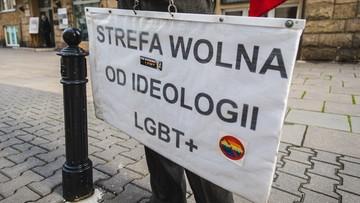 Procedura naruszeniowa przeciwko Polsce i Węgrom za dyskryminację osób LGBT+