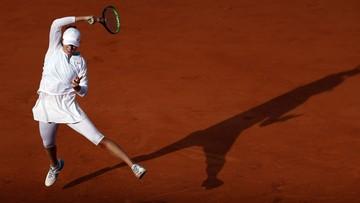 French Open: Iga Świątek spełnia sen życia przy niemal pustych trybunach