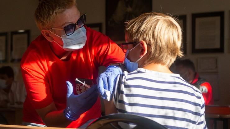 Uczniowie nagradzani za szczepienie. Dyrektor wycofał się z pomysłu
