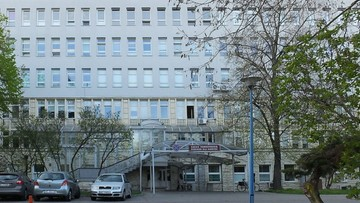 Mężczyzna wypadł przez okno szpitala MSWiA. Zginął na miejscu