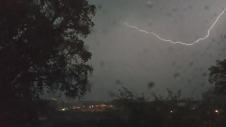 Burze z gradem nad Polską. Kilkadziesiąt tysięcy osób bez prądu