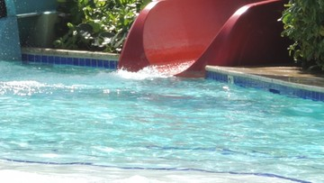 Tragedia na wakacjach. Rękę 12-latki zassała basenowa pompa