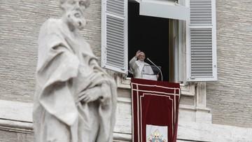 """""""Jezus ma twarz uchodźcy"""". Rzecznik Konferencji Episkopatu Polski o pomocy migrantom"""