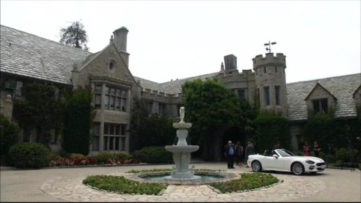 """Rezydencja """"Playboya"""" sprzedana, ale Hugh Hefner zostaje na """"dożywociu"""""""