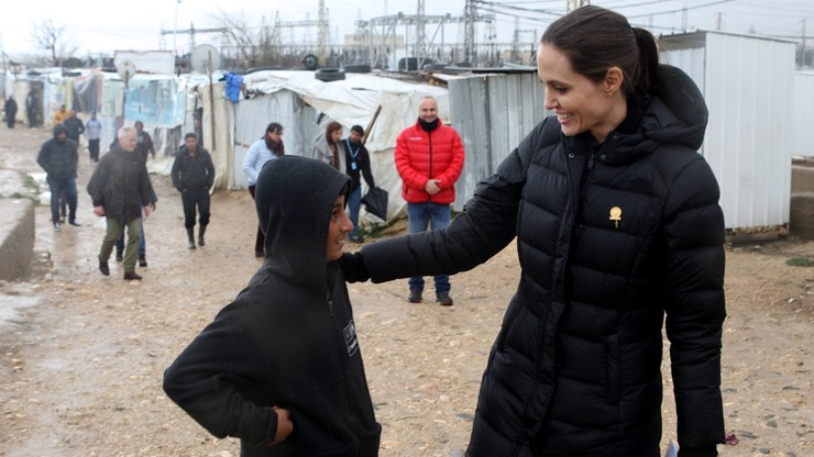 Angelina Jolie w obozie dla uchodźców