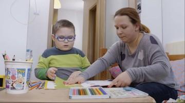 Jeden mały chłopiec i dwie poważne choroby. Historia Adasia