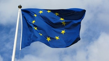 CBOS: 42 proc. Polaków popiera opinię KE o zagrożeniu praworządności