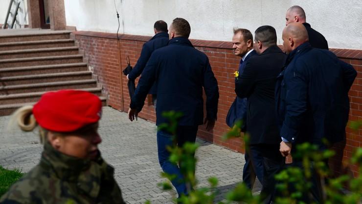 """Zagraniczna prasa o przesłuchaniu Tuska. """"Chęć zdyskwalifikowania politycznego rywala"""""""