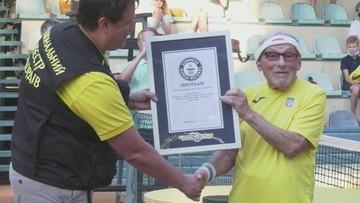 Najstarszy tenisista świata. Marzy o meczu z Federerem
