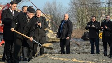 """Kaczyński wbił łopatę pod nową inwestycję w ramach programu """"Mieszkanie+"""""""