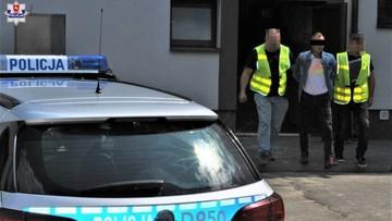 Kierowca podczas ucieczki potrącił policjanta i uszkodził radiowóz. Miał 2 promile