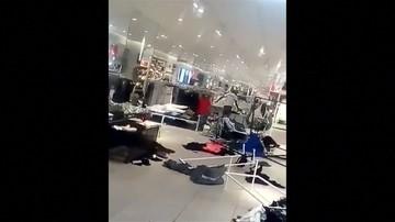 """Sklepy H&M w Afryce zdemolowane  w reakcji na bluzę """"Coolest monkey in the jungle"""""""