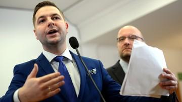 """PO domaga się od Jakiego zwrócenia nagrody """"Polski Kompas 2017"""". W tle SKOK-i. Wiceminister odpowiedział"""