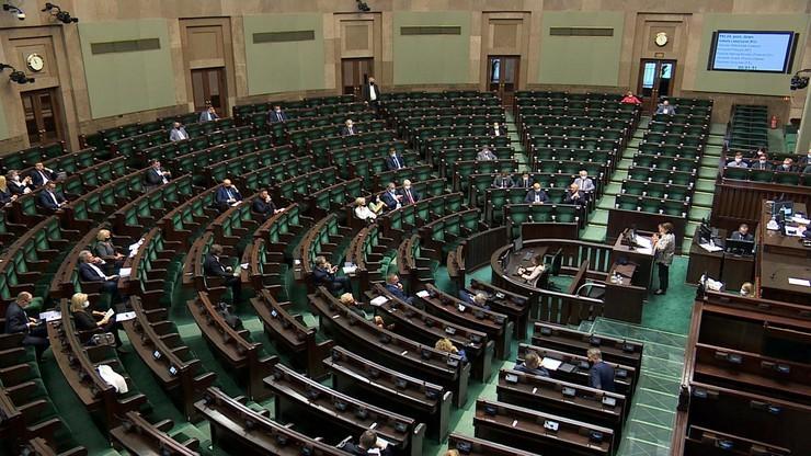 Sejm. Zmiany w przedłużaniu stanów nadzwyczajnych. Komisja przyjęła projekt