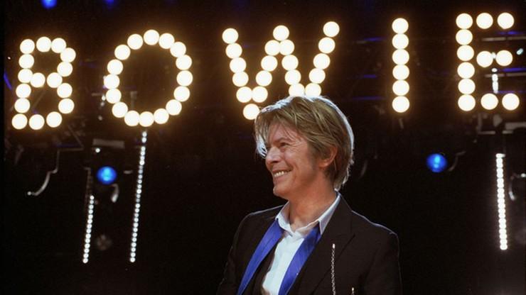 """""""Pokazał nam, że każdy może być tym, kim chce"""". Trzy lata temu zmarł David Bowie"""