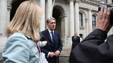 """Brytyjską gospodarkę czekają """"turbulencje"""". Minister finansów o sytuacji po Brexicie"""