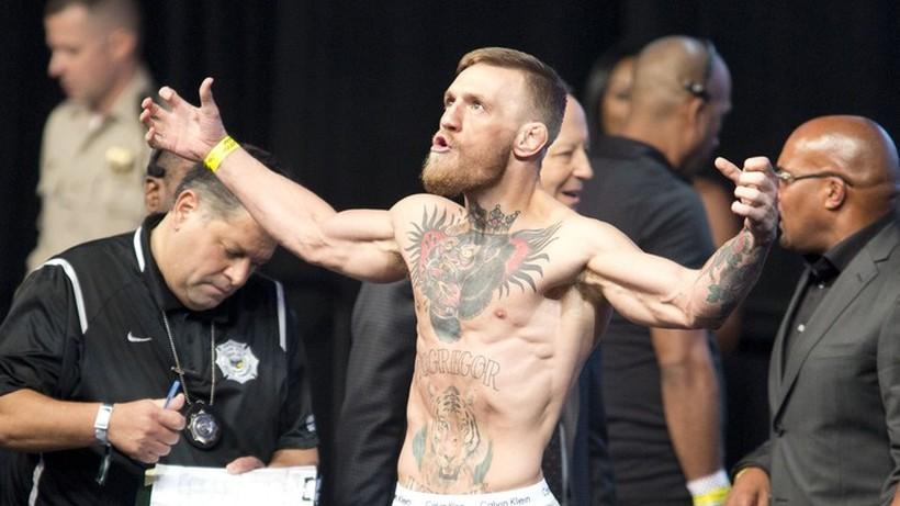 McGregor wdał się w awanturę ze znanym raperem i oblał go drinkiem (WIDEO)