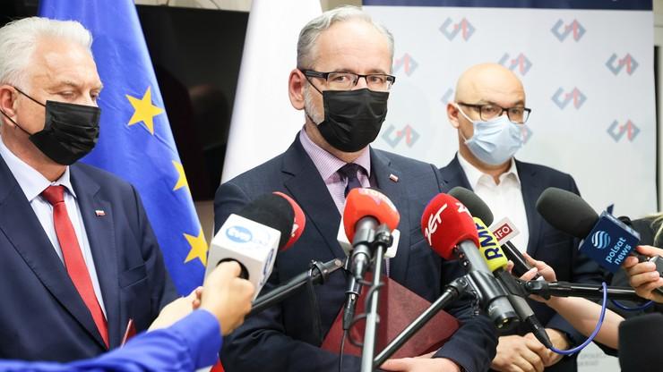 """Protest medyków w Warszawie. """"Łączny koszt postulatów to 104,7 mld zł w 2022 roku"""""""