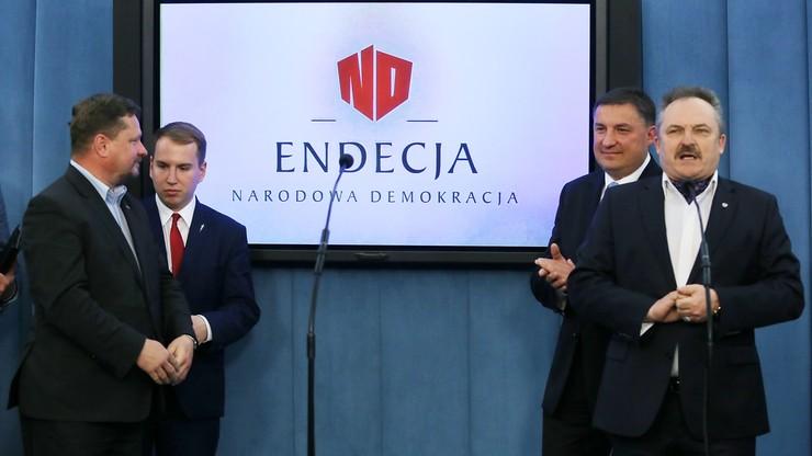 """""""Fabryka elit dla nowej, endeckiej Polski"""". Powstało Stowarzyszenie Endecja z udziałem posłów Kukiz'15"""