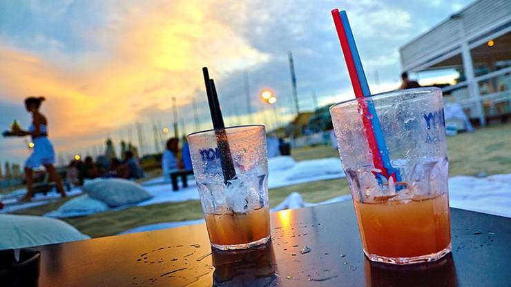 Ustawa o ograniczeniu sprzedaży alkoholu podpisana przez prezydenta. Wprowadza m.in. zakaz picia w miejscach publicznych