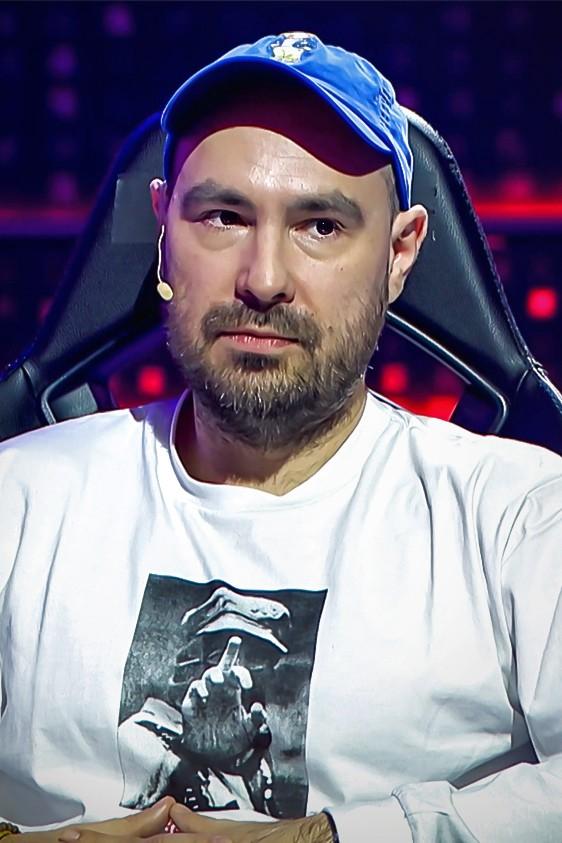 """2021-04-19 """"Faux Paux"""": Jakub Żulczyk o swojej pasji do gier wideo - Polsatgames.pl"""